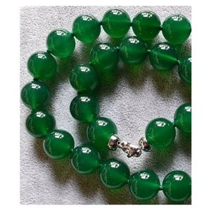 NWOT Green Agate Necklace & Earrings Set
